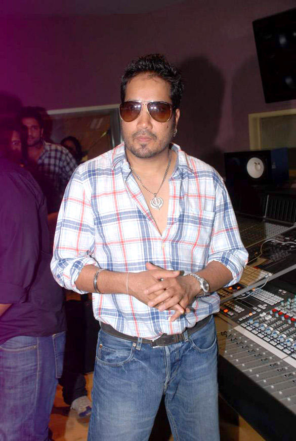 Mika Singh Laest Pic at Himmatwala Songs Recording Event
