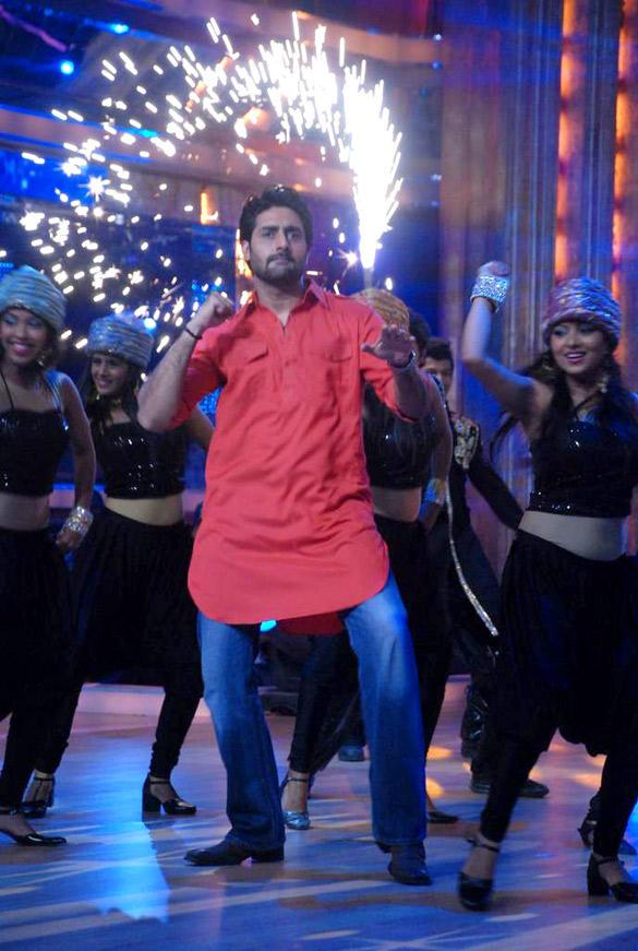 Abhishek Bachchan Performes at Jhalak Dikhhla Jaa 5