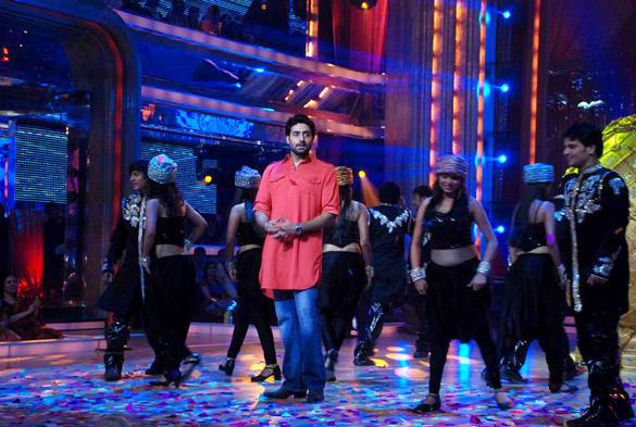 Abhishek Bachchan Promote Bol Bachchan On Jhalak Dikhhla Jaa 5