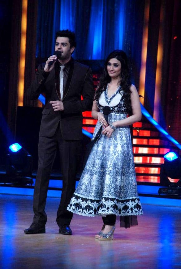 Anchor Ragini and Manish at Jhalak Dikhhla Jaa 5 Show