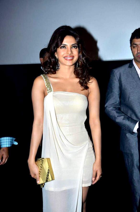 Gorgeous Priyanka at Teri Meri Kahaani Premiere In Dubai