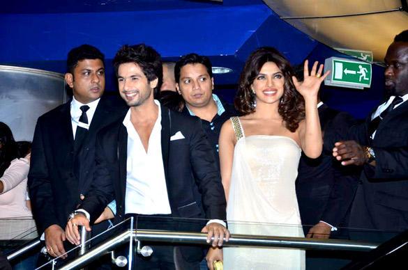 Priyanka and Shahid at Teri Meri Kahaani Premiere In Dubai