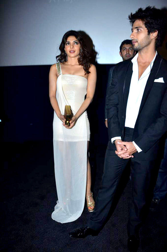 Priyanka Stunning Pic at Teri Meri Kahaani Premiere In Dubai