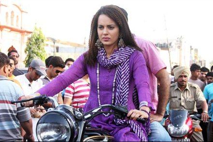 Kangana Ranaut On Bike In Tanu Manu Movie