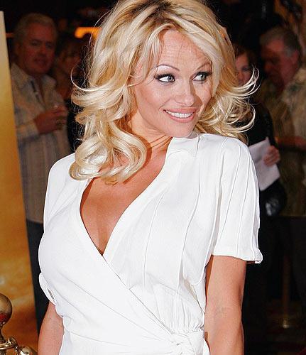 Pamela Anderson Cute Face Look Still