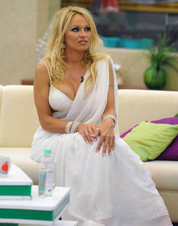 Pamela Anderson Indian Look In Bigg Boss