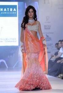 Katrina Kaif Walks The Ramp For Nakshatra Show
