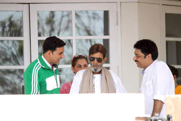Bollywood 1st Superstar Rajesh Khanna Discharge From Lilavati Hospital