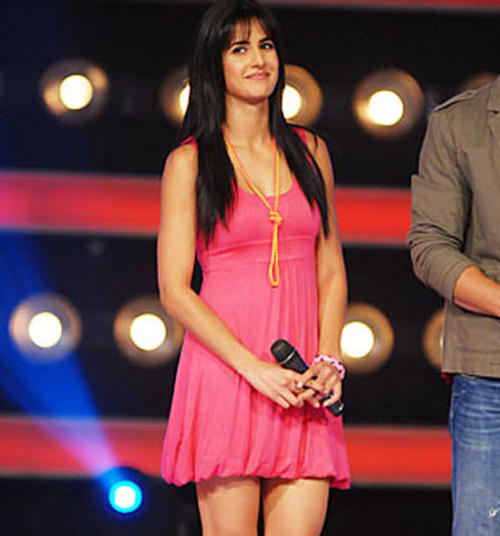 Katrina Kaif in Grand Finale of Indian Idol Season 4