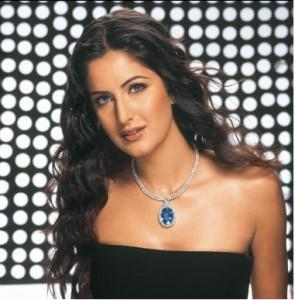 Katrina Kaif Strapless Dress Senseous Look Pic