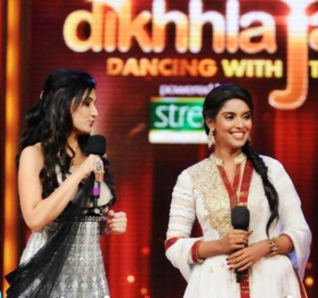Asin at Jhalak Dikhhla Jaa For Promotion Of Her Movie Bol Bachchan