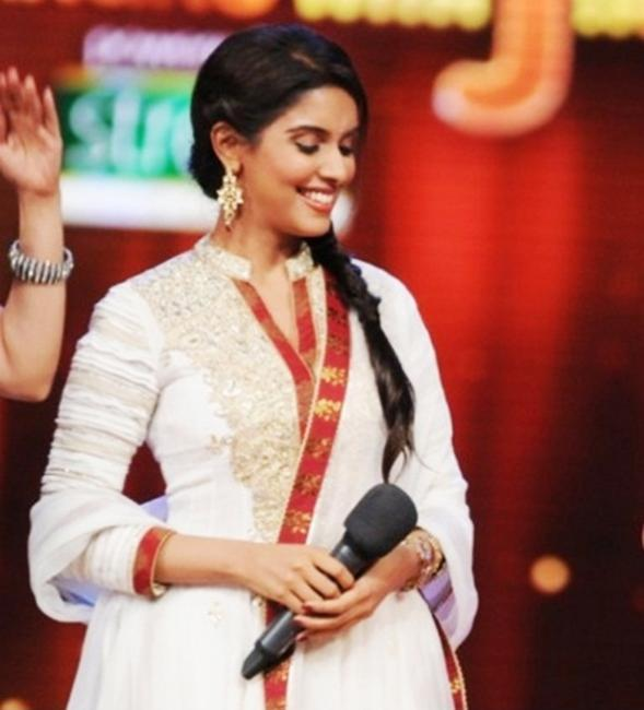 Asin Looks Lovely in Anita Dongre Traditional Suit at JDJ 5