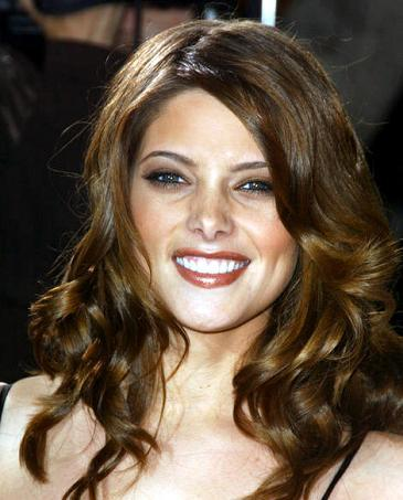Ashley Greene Sweet Smile Stunning Pic
