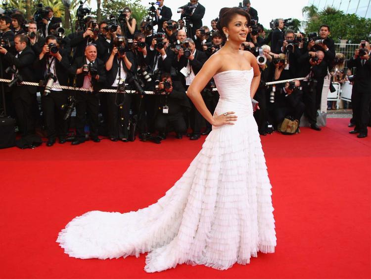 Aishwarya Rai Amazing Gown Still at Cannes