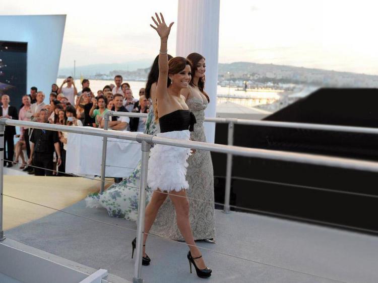 Aishwarya Rai Walk At Cannes