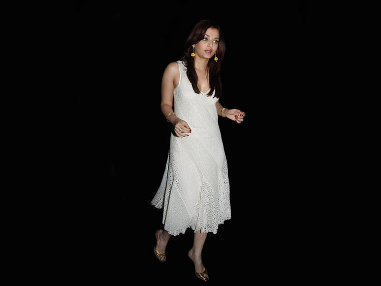 Aishwarya Rai In White Dress Still