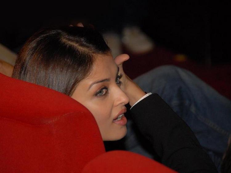 Cute Actress Aishwarya Rai Pic