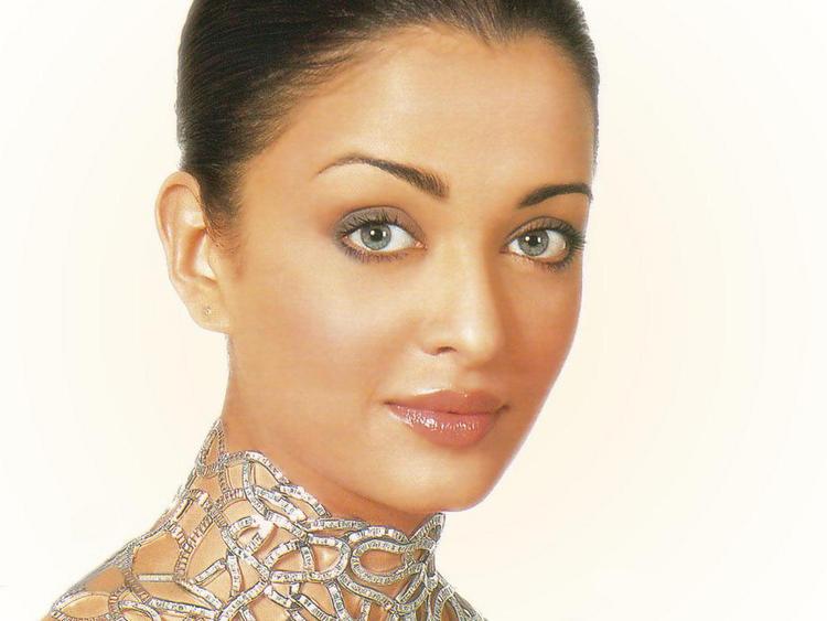 Most Beautiful Lady Aishwarya Rai Still