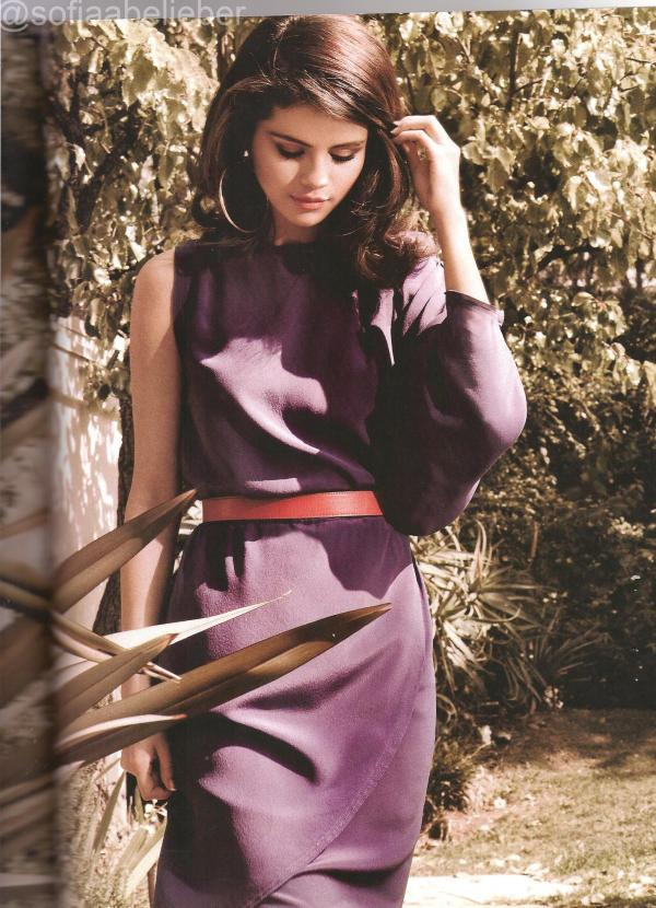 Selena Gomez Very Nice Pose Photo Shoot