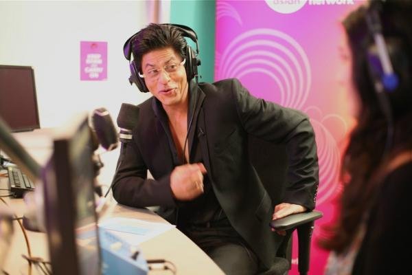 Srk Hosted His Own Radio Show To Celebrated His 20th Anniversary in Indian Cinema