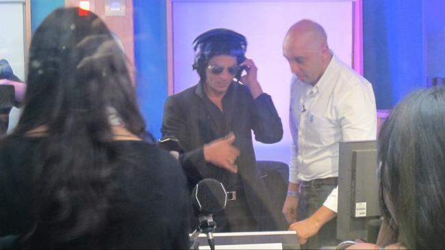 Srk Hosted His Own Radio Show as He Celebrated His 20th Anniversary