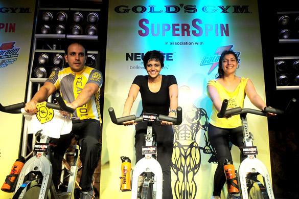 Mandira Bedi Gets Sweaty Spinning at Gold Gym India SuperSpin Challenge