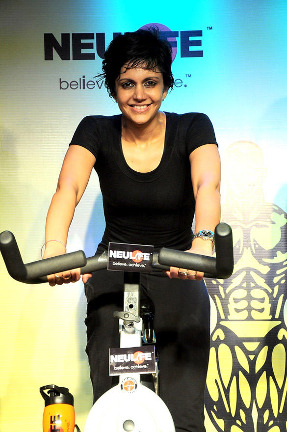 Mandira Bedi Gets Sweaty Spinning at Gold's Gym India SuperSpin