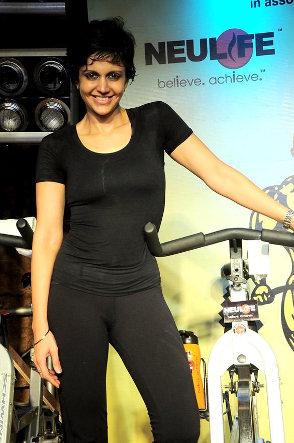 Sexy Mandira Bedi at Gold Gym India SuperSpin Challenge