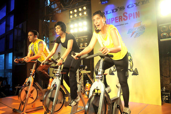 Vinita,Mistaya and Mandira at Gold Gym India SuperSpin Challenge
