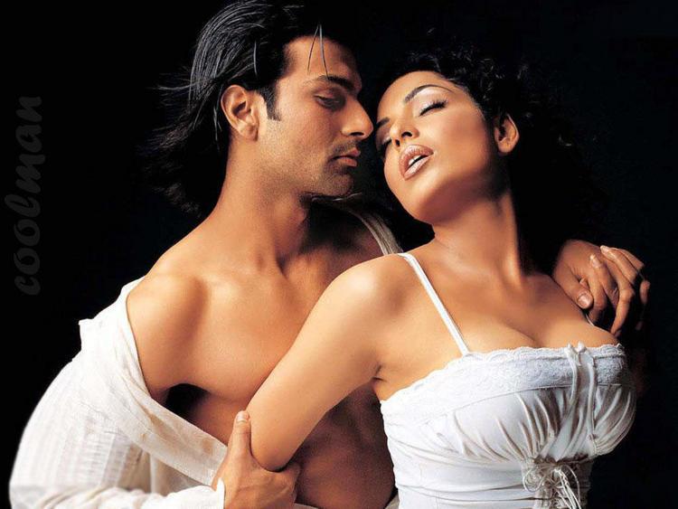 Meera and Ashmit Patel Hot Scene Still In Naraz