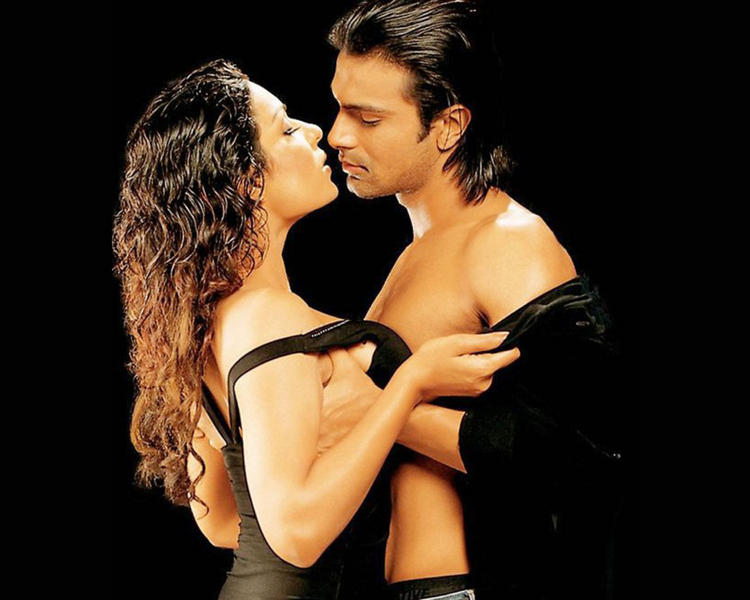 Meera Sexy With Ashmit Patel in Nazar