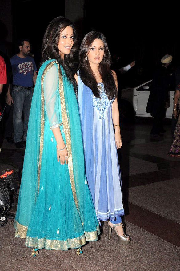 Raima and Riya Spotted at Esha Deol Sangeet Ceremony