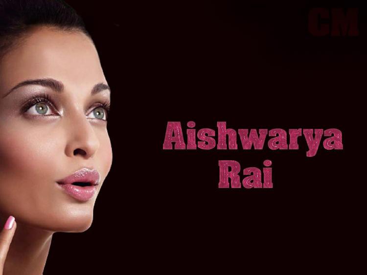 Aishwarya Rai Cute Pink Lips Pose Wallpaper