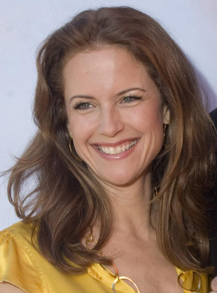 Kelly Preston Beautiful Smile Pic
