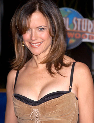 Kelly Preston Open Boob Show Smiling Photo