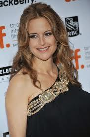 Kelly Preston Sweet Smiling Face Look Still