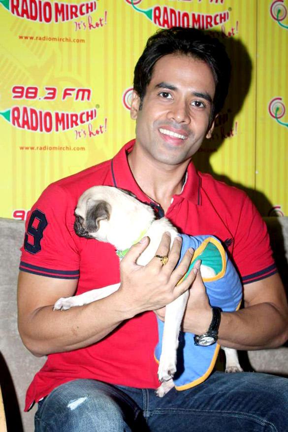 Tusshar Promote Kya Super Kool Hain Hum at 98.3 FM Radio Mirchi