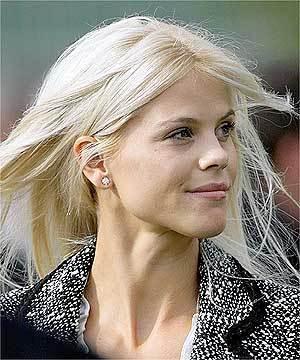 White Beauty Elin Nordegren Stunning Pic