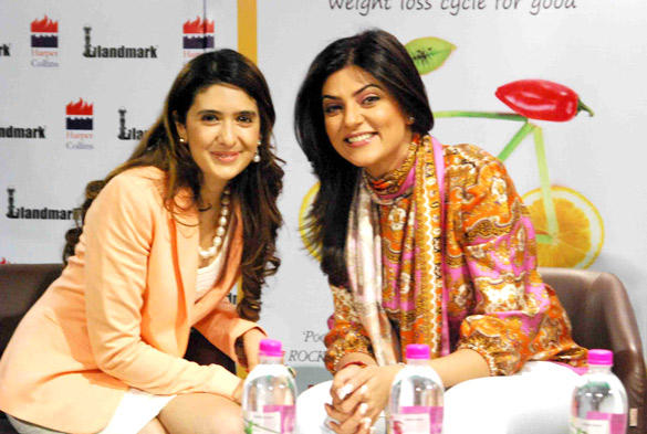 Author Pooja Makhija with Sushmita Sen at Eat Delete Book Launch