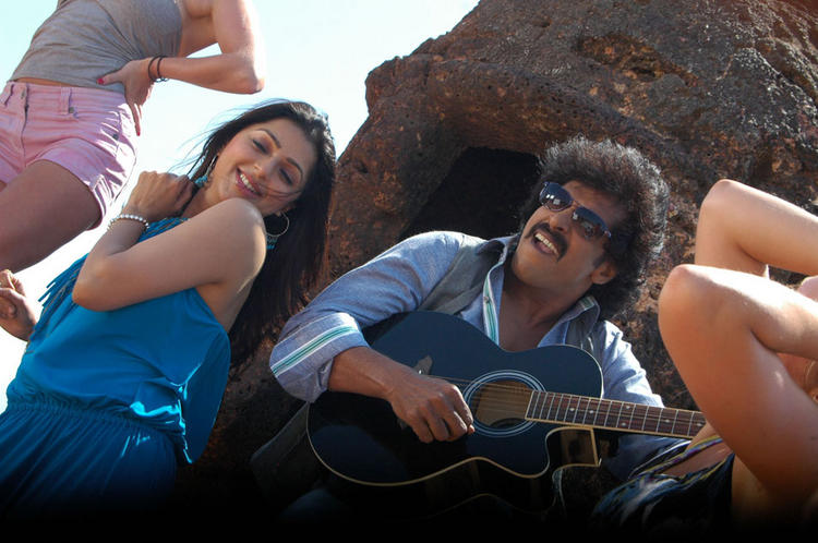 Soundarya and Upendra Rocking Still In Kannada Movie God Father