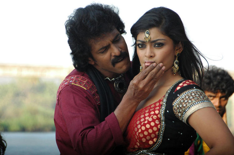 Upendra and Soundarya Cute Still In Upcoming Movie God Father