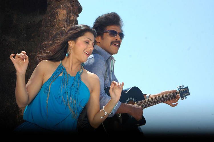 Upendra and Soundarya Latest Rocking Pic In God Father