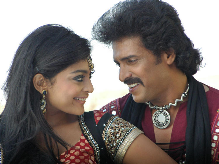 Upendra and Soundarya Romance Still In New Kannada Movie God Father
