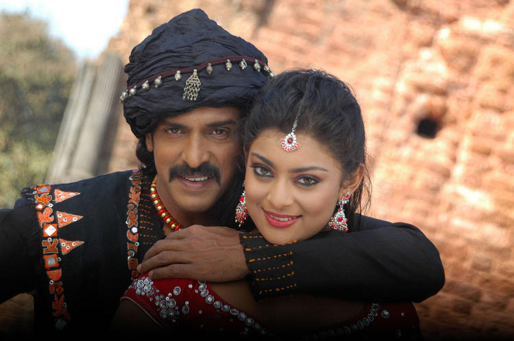 Upendra and Soundarya Sexy Pose For New Film God Father