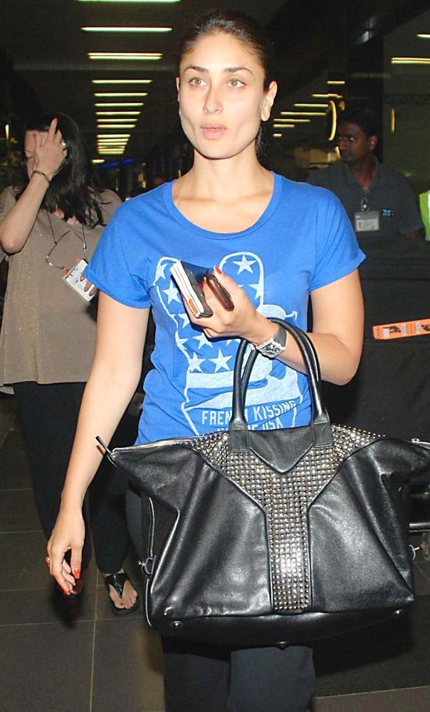 Kareena With Mom Babita Spotted at Mumbai Airport