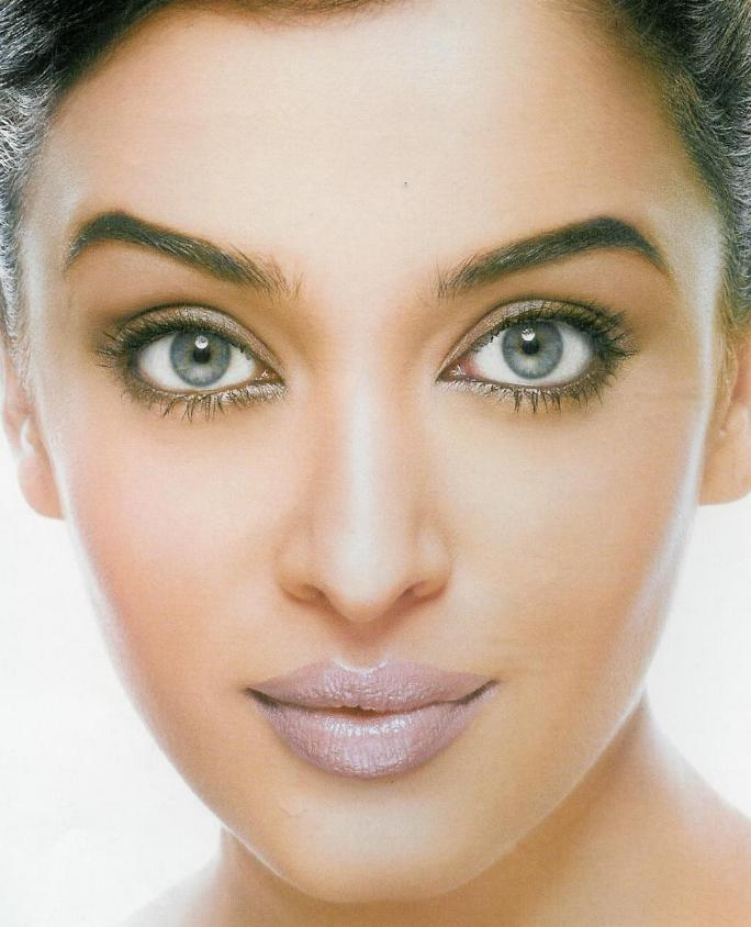 Aishwarya Beautiful Face Look Still