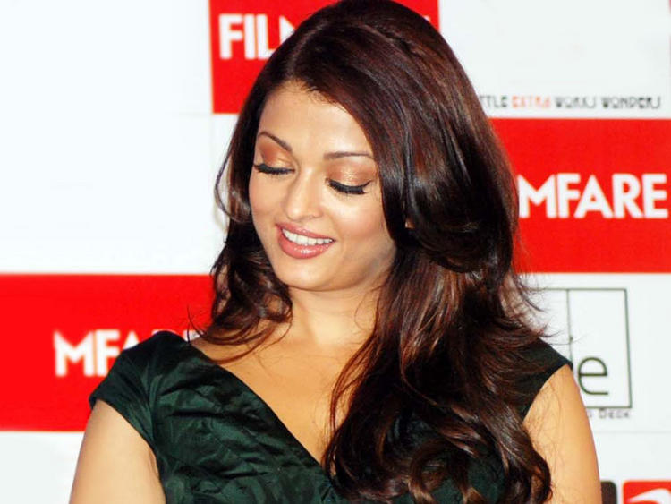 Aishwarya Rai at Filmfare Issue Launch