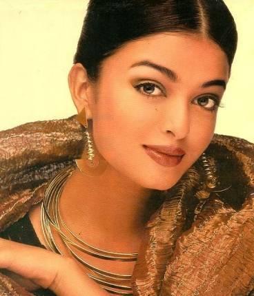 Aishwarya Rai Sizzling Sweet Still