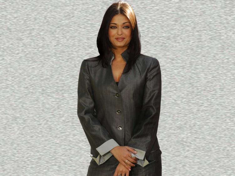 Aishwarya Rai Stylist Stunning Pic
