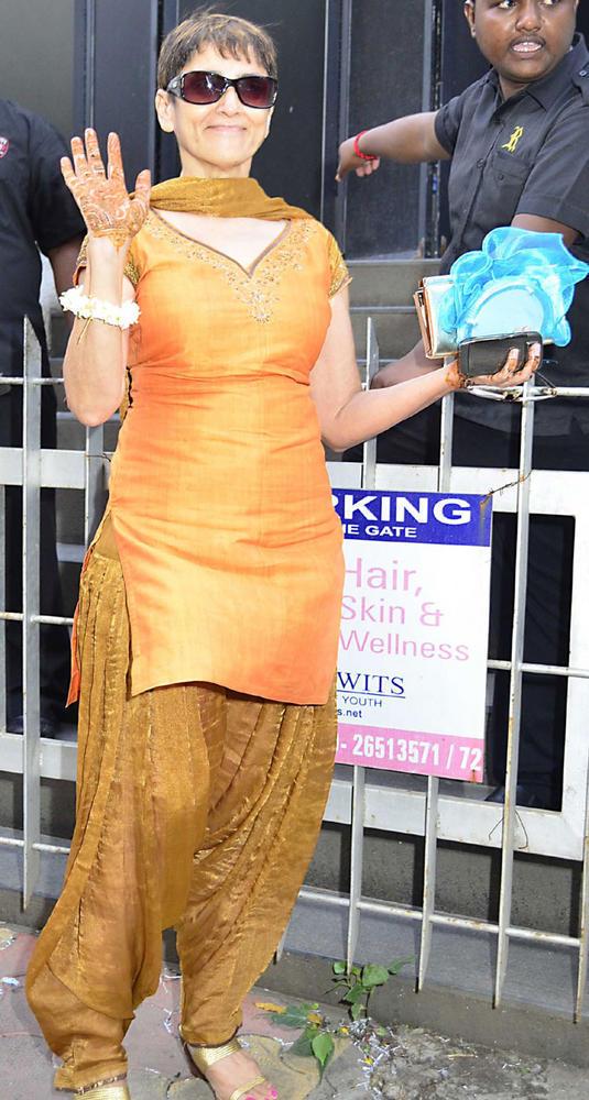 Celebs at Esha Deol's Pre Wedding Mehendi Ceremony Party